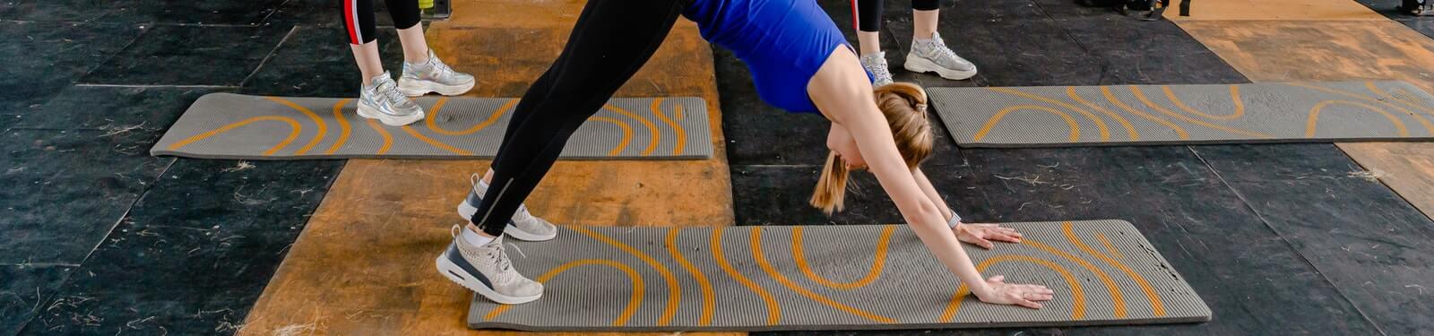 fortalece espalda piernas y brazos